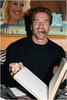arnold_at_planet_hollywood.jpg